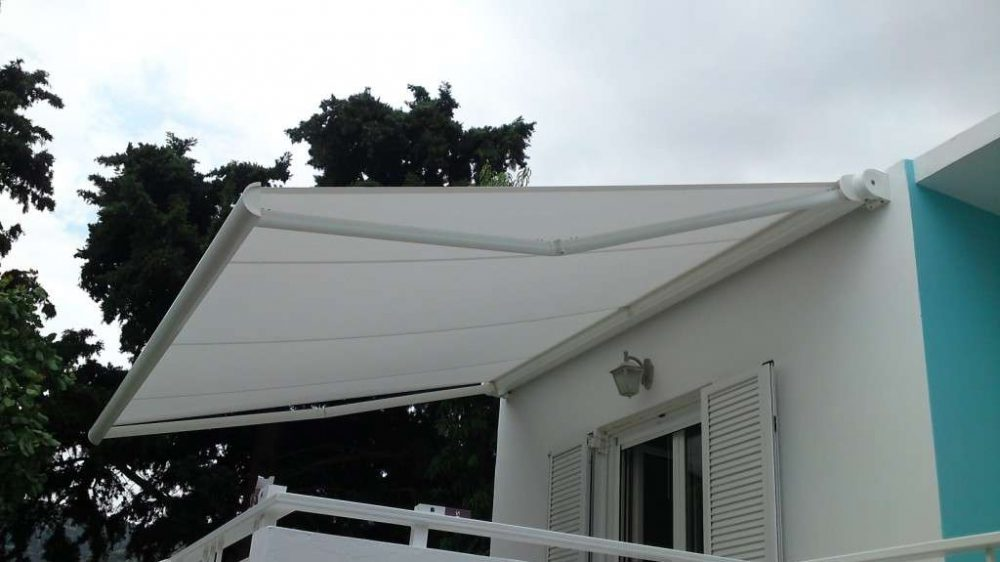 CASSETTE AWNING
